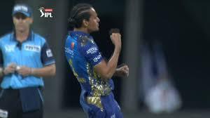 KKR vs MI 32nd Match IPL 2020 Highlights