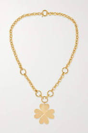 clover shaped necklace style