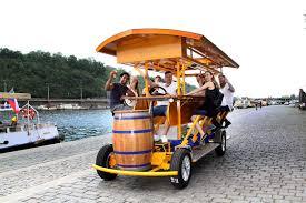 Tour de cerveza en bicicleta por Praga - Praga, República Checa |  GetYourGuide