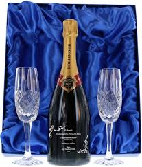 gift boxed end bollinger chagne