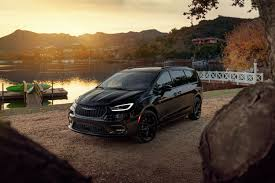 2021 chrysler pacifica review pricing