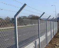 Chain Link Fencing Rs 10 Square Feet Jain Wire Netting Stores Id 20925052612