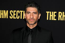 Raza Jaffrey and Actress Lara Pulver's Marriage — Glimpse into the 'Enemy  Within' Star's Life