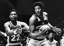 Wes Unseld, legendary center for Baltimore Bullets, dies at 74 - Baltimore  Sun
