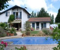les villas au pays basque terre et
