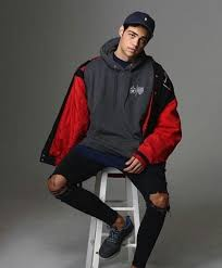 noah centineo by 3 on we heart it