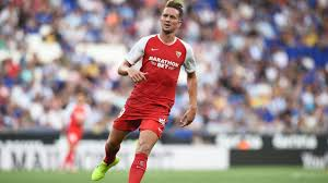 Luuk de Jong and Sevilla lead after tight victory at Alavés - Teller Report