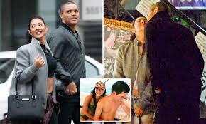 Trevor Noah strolls with new model girlfriend Jordyn Taylor in New York    Daily Mail Online