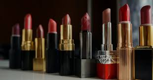 how to get lipstick out of clothes in