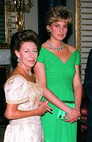 Margaret and Diana at a party in Buckingham Palace in 1992.   Princess  margaret, Princess diana family, Princess diana
