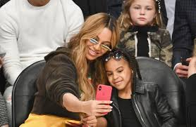 blue ivy takes insram picture of