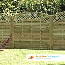 Convex Arched Lattice Top Fence Panels 4ft X 6ft Natural