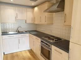 1 bedroom flat in mertensia house 77a