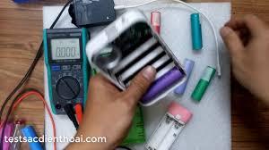 Kiểm tra cell pin 18650 cũ dùng chính box sạc dự phòng - YouTube