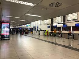 Coronavirus: a Milano Linate cancellati quasi tutti i voli, anche ...