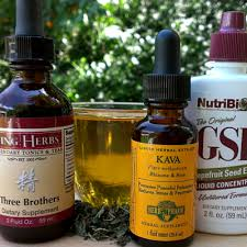 Using Extracts & Tinctures With Herbal Tea