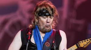 Adrian Smith Recalls His Rejoining to Iron Maiden and Reveals ...