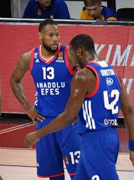 File:Sonny Weems 13 Anadolu Efes EuroLeague 20180321 (1).jpg - Wikimedia  Commons
