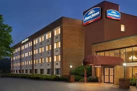 Hotel Howard Johnson by Wyndham South Por, South Portland, ME ...