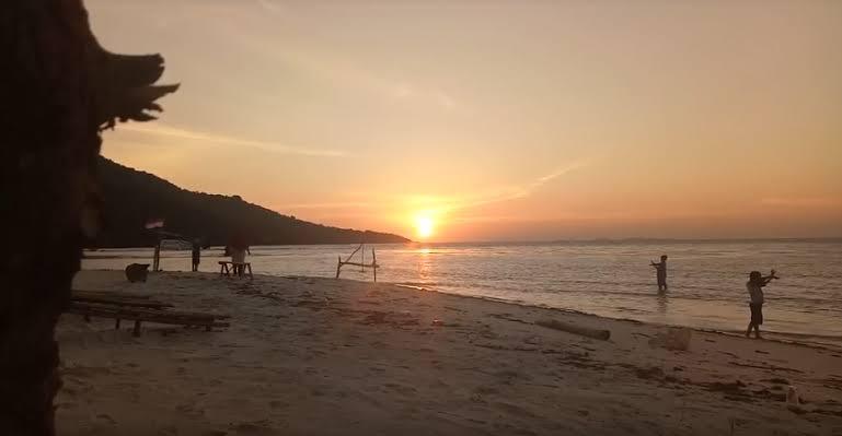 "Image result for sunrise karimun jawa"""
