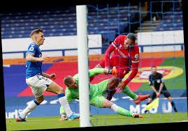 Pickford horror tackle forces Van Dijk ...