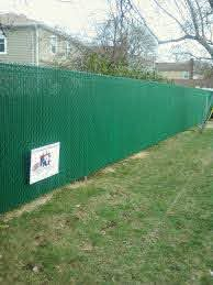 6 Green Chain Link Vinyl Coated Fence With Pvt Slats Green Fence Fence Slats Gates And Railings