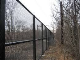 Here Is A Great Security Fence Security Fence Diy Home Security Home Safety