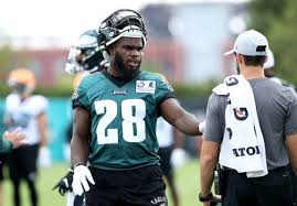 NFL final cuts: Eagles waive RB Wendell Smallwood | Here's what his  departure means for depth chart - nj.com