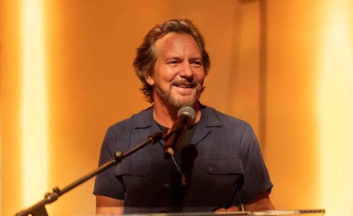 Eddie Vedder dan Dave Grohl Bergabung di acara 'Letter to You Radio' Bruce Springsteen