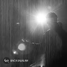 aku penasaran dengan pria yang menangis di bawah hujan be