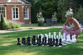 premium garden chess set 30cm high king