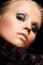 orogold takes a look at makeup trends