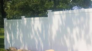 Tips For Removing Stains And Paints From Vinyl Fencing