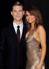 Aaron Tveit and Samantha Barks! :D <3 (With images)   Aaron tveit ...