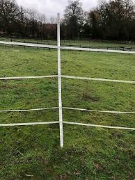 10 pack small electric fencing posts