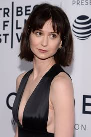 Katherine Waterston - Biography, Height & Life Story