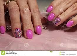Rozowy Manicure U Projekt Z Motylem I Rhinestones Obraz Stock