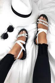 VAYCAY SLAY in our ADELE sandals #summer #whitesandals #OOTD #shoes  #lavishluxe   Sandálias femininas, Sapatos