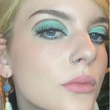 twiggy inspired makeup look goes viral