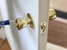 how to change a doorknob how tos diy