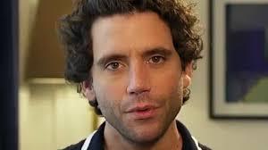 """Ils m'appelaient le Libanais, le pédé"""" : Mika raconte son ..."""
