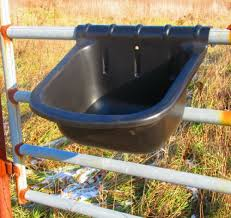 Hanging 6 Gallon Fence Gate Feeder For Horses Sheep Goats Llamas Free Shipping Other Stable Accessories