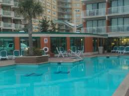 outdoor pool picture of holiday inn