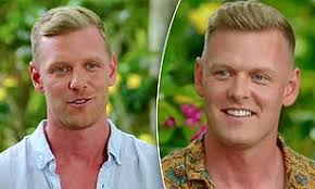 Bachelor In Paradise viewers are shocked to discover Glenn Smith has an  identical twin brother | Daily Mail Online