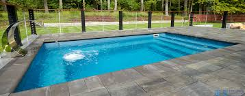 what is a fiberglass plunge pool e z