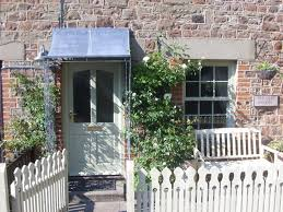 Lessons In Small Garden Design From 11 English Entryways