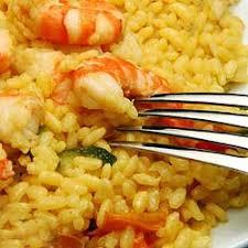 shrimp and yellow rice camarones y