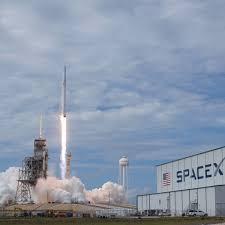 Space X rocket launch in Edinburgh ...