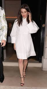 Rachel Weisz Is Modeling The New Smocks At Your Chic Doctor's Office - Go  Fug Yourself