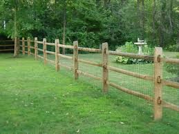 Split Rail Fence With Wire Backing This Is A Split Rail Fence We Completed In Downingtown It Has Locust Backyard Fences Fence Landscaping Farm Fence